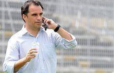 """Quanto vale um profissional de Futebol?  Rodrigo Caetano """"economizou"""" 9 milhões de reais pro Flamengo em 2015.   http://www.ricaperrone.com.br/quanto-vale-um-profissional/"""