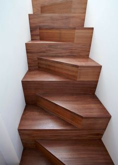 Gewinner des Amazing A Architecture Building and Structure Design Award Modern Stairs Amazing Architecture Award building des Design Gewinner structure Attic Stairs, House Stairs, Carpet Stairs, Interior Stairs, Home Interior Design, Gray Interior, Interior Decorating, Escalier Design, Into The Woods
