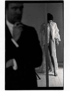 Street Photography Tips, Color Photography, Amazing Photography, White Photography, Wedding Photography, Saul Leiter, Tate Modern London, Art Grants, Famous Pictures
