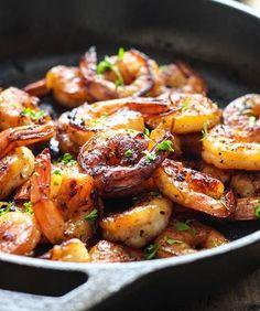 Honey Garlic Shrimp Skillet Recipe Main Dishes with shrimp, garlic, ginger, honey, soy sauce Fish Recipes, Seafood Recipes, Dinner Recipes, Cooking Recipes, Healthy Recipes, Dinner Ideas, Sunday Recipes, Recipies, Shrimp Dishes