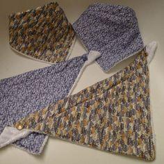 Bavoirs foulard gratuit                                                                                                                                                                                 Plus
