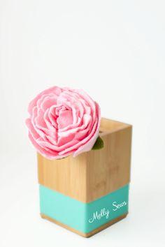 Lovely! How to make a felt peony - felt flower tutorial by Melly Sews