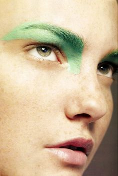 & Other Stories | SS/15 Inspiration Caroline Trentini by Paulo Vainer for Vogue Brazil February 2008 Green Face Paint, Makeup For Green Eyes, Green Eyeshadow, Creative Makeup, Hair Makeup, Eye Makeup, Beauty Makeup, Hair Beauty, Graphic Makeup