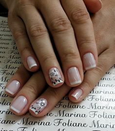 French manicure on short nails, floral drawings in black and white, pretty nails - Nail Designs Fancy Nails, Pink Nails, Cute Nails, Gel Nails, Acrylic Nails, Trendy Nail Art, Nail Decorations, Creative Nails, Manicure And Pedicure