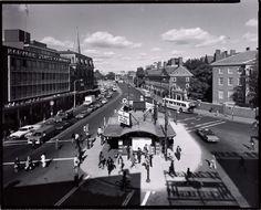Nicholas Nixon, Harvard Square, 1974.