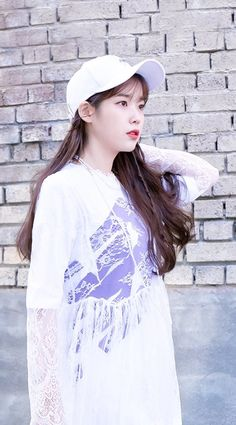 IU #wallpaper #NewBalance New Balance Outfit, Iu Fashion, Korean Celebrities, Female Singers, Queen, Korean Actresses, Korean Beauty, Me As A Girlfriend, Korean Singer