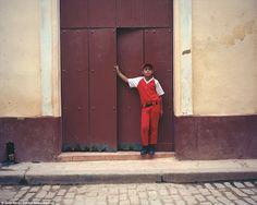 O fotógrafo de 26 anos de idade, viajou para Cuba em 2015 e lançou recentemente o resultad...