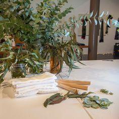 Ecoprint, la alquimia de las hojas   Diseño   MG Magazine Shibori, Quilting, Textiles, Art, Stamping, Scrappy Quilts, Sewing Studio, Silk, Natural Dyeing