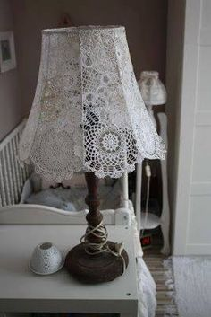 cotton tape is wound to which it is sewn into the canopy Lace Lampshade, Doily Lamp, Crochet Lampshade, Vintage Lampshades, Shabby Chic Lamp Shades, Shabby Chic Decor, Shabby Chic Pillows, Lampe Crochet, Lace Doilies