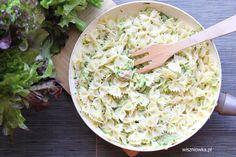 Pasta with tuna and zucchini - a quick holiday dinner - Wiszniówka - przepisy - Makaron Tuna Pasta, Holiday Dinner, Risotto, Zucchini, Food And Drink, Ethnic Recipes, Pierogi, Per Diem, Summer Squash