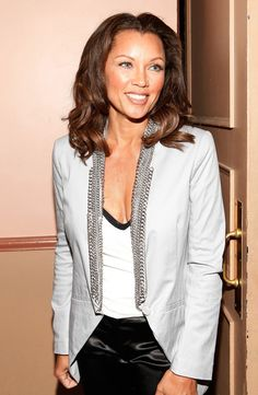 """Vanessa Williams Photos Photos: The Roundabout Theatre Company's 2012 Spring Gala """"From Screen To Stage"""" Chris Williams, Vanessa Williams, Miss America Winners, Ugly Betty, Got The Look, Strike A Pose, Hollywood Actresses, Theatre, Appreciation"""