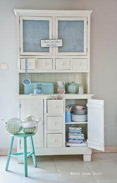 kredens w kolorach / colourfull hutch Light Blue Houses, Minty House, Restoring Old Furniture, Cupboard Shelves, Cupboards, Vintage Kitchen Cabinets, Cute Kitchen, Happy Kitchen, Kitchen Dinning Room