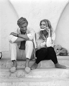"""@hammerliz on Instagram: """"Alchimie  Candice & Michael  Jeu pervers 1968 📷 Terry O ' Neil #candicebergen #michaelcaine #sweetevening #summervibes #haveaniceevening"""" Candice Bergen, Odd Couples, Famous Couples, Happy People, My People, The Quiet American, Secondhand Lions, The Italian Job, Hooray For Hollywood"""