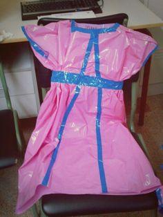 Vestido medieval con bolsa de basura