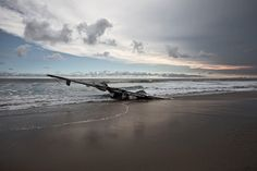 「荒野で朽ちていく飛行機」の風景:ギャラリー WIRED.jp