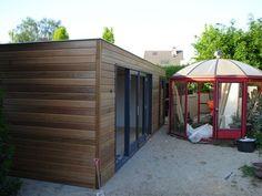 Strak modern design tuinhuis