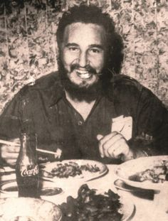 Fidel Castro, Castro Cuba, Cuba Island, Che Guevara, Viva Cuba, Mexican Revolution, Rare Historical Photos, World Of Coca Cola, Freedom Fighters