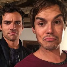 "When Ian and Tyler were all about that selfie. | 19 Times The Cast Of ""Pretty Little Liars"" Really Were Best Friends"