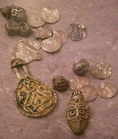 Viking age Viking Jewelry, Ancient Jewelry, Tribal Jewelry, Viking Tribes, Germanic Tribes, Viking Metal, Viking Age, Ancient Vikings, Norse Vikings