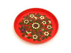 Lovely vintage red enamel serving tray. Retro by Upcyclehero, €29.00