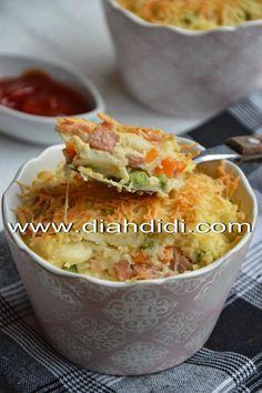 Diah Didi's Kitchen: Makaroni Skotel Sosis dan Sayuran