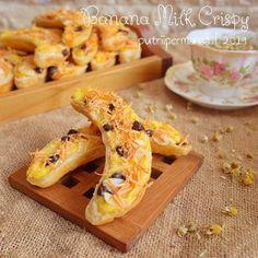 Resep camilan dari pisang istimewa in 2020 Banana Recipes, Fruit Recipes, Snack Recipes, Dessert Recipes, Cooking Recipes, Snacks, Recipies, Tastemade Recipes, Baked Banana