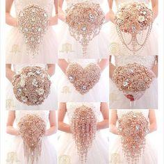Gold Brooch Bouquet Rose Gold Wedding by Elegantweddingdecor Broschen Bouquets, Bridesmaid Bouquets, Peonies Bouquet, Pink Bouquet, Purple Bouquets, Dream Wedding, Wedding Day, Bling Wedding, Purple Wedding