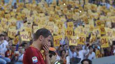 L'addio commovente di Totti regala due certezze: il calcio è e sarà sempre una questione d'amore. E che lui è e sarà sempre la Roma