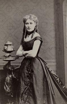 French belle. Mids 1870s Tempus fugit....mors venit...