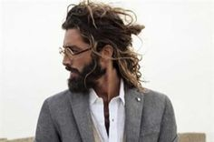 The top knot hairstyle is a perfect choice for men with long hair, preferably those that stretch to the shoulders and beyond. Messy Top Knots, Braided Top Knots, Thick Hair Styles Medium, Natural Hair Styles, Long Hair Styles, Bun Hairstyles For Long Hair, Knot Hairstyles, Dreadlocks Men, Long Ombre Hair