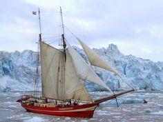 Boating   Boat   Icebergs   Noorderlicht