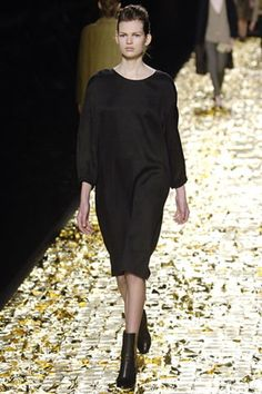Dries Van Noten Fall 2006 Ready-to-Wear Collection Photos - Vogue