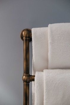 Nothing better than having warm towels after you have stepped out a bubble bath. Simply add a brushed bronzed towel rail for that luxurious touch.  #LympstoneManorhotel #Merakidesign #Interiordesign #Inspo #Luxuryhotels #Style #Bathroomgoals #designinspo #designinspiration #Design #luxury #inspiration #interior4all #hospitality #Luxurylifestyle #styling #winterinterior #Currentdesignsituation