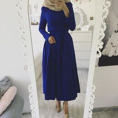 #eidoutfit #inspiration Dress / Kleid / Elbise 👉🏽 @ezaboutique (verschiedene Farben verfügbar) Hijab Prom Dress, Hijab Evening Dress, Evening Dresses, Dress Up, Abaya Fashion, Muslim Fashion, Modest Fashion, Fashion Dresses, Eid Outfits
