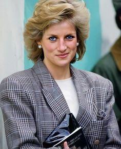 Princess Diana Photos, Princess Diana Family, Royal Princess, Princess Of Wales, Princess Pictures, Lady Diana Spencer, Princesa Diana, Prince Charles, Prince Harry