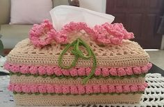 Tissue Box Covers, Tissue Boxes, Crochet Flower Patterns, Crochet Flowers, Crochet Home, Free Crochet, Crochet Organizer, Kleenex Box, Paper Cover