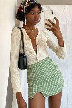Vintage Trends Making Comebacks Vintage Outfits, 70s Vintage Fashion, 90s Fashion, Fashion Outfits, Vintage Clothing, Runway Fashion, Fashion Beauty, Fashion Trends, Skirt Outfits
