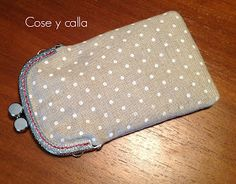 Cose and silent . Tutorial: Case with Mouthpiece! Tote Pattern, Purse Patterns, Frame Purse, Purse Tutorial, Framed Fabric, Handmade Purses, Patch Quilt, Fabric Bags, Girls Bags