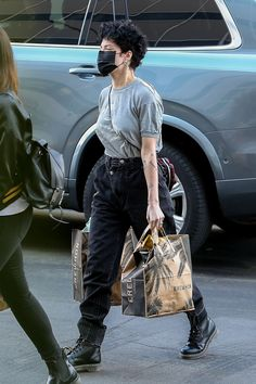Halsey, Normcore Fashion, Blue Evening Dresses, Fake Photo, Models Off Duty, Me As A Girlfriend, Aesthetic Clothes, Black Boots, Beautiful People
