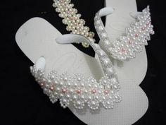 Havaiana decorada trama de renda francesa- decorated sandals frame pearls