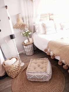 Trendy decor ideas for the home on a budget beds Boho Chic Bedroom, Cosy Bedroom, Bedroom Vintage, Trendy Bedroom, Home Decor Bedroom, Bohemian Bedrooms, Bedroom Ideas, Bedroom Tv, Decoration Bedroom