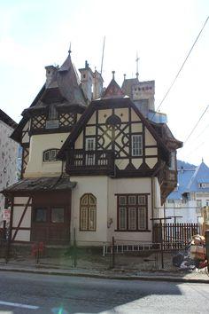 Sinaïa Amazing Architecture, Architecture Design, Tudor, Romania, Floor Plans, Exterior, Houses, Cabin, Culture