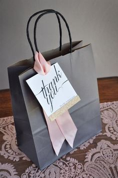 Thank You Bags. Gift Bag for Wedding Guest. - Thank You Bags. Gift Bag for Wedding Guest. Thank You Bags. Thank You Bags, Thank You Gifts, Creative Gift Wrapping, Creative Gifts, Wrapping Gifts, Paper Bag Wrapping, Christmas Gift Wrapping, Christmas Gifts, Christmas Ideas