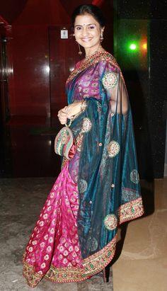 Ravi Kishan, Revathi, Sonali, Amruta at Marathi film Masala's screening Ravi Kishan, Satin Saree, Shining Star, South Indian Actress, Traditional Outfits, Indian Actresses, Mumbai, Beautiful Women, Glamour