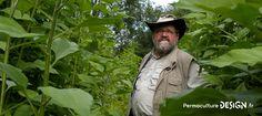Sepp Holzer, l'agriculteur « rebelle » sur sa ferme en permaculture.  Pour lire l'article complet : http://www.permaculturedesign.fr/ferme-permaculture-Sepp-Holzer-Krameterhof-autriche-modele  #PermacultureDesign #Permaculture #Krameterhof #SeppHolzer #LieuxPermacoles #FermeEnPermaculture   Source photo : http://www.krameterhof.at/cms60/index.php?id=151