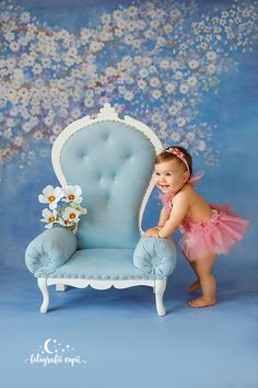 Ședințe foto bebeluși - Foto Bebeluși - Fotograf de familie și copii Disney Characters, Fictional Characters, Armchair, Studio, Disney Princess, Decor, Sofa Chair, Single Sofa, Decoration
