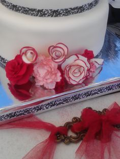 Another view of the gumpaste flowers