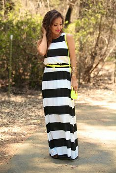 Striped Maxi Dress + Pop of Neon. Striped Maxi Dresses, Fashion Beauty, Fashion Looks, Cool Style, My Style, Style Blog, Vogue, Classy Outfits, Outfits