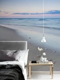 une ambiance zen dans la chambre à coucher, une tapisserie murale bord de la mer
