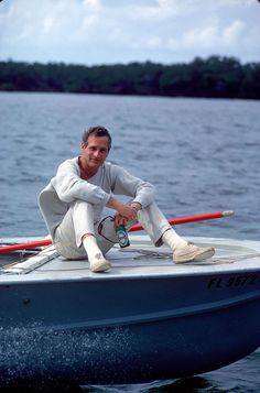 THE NEWMAN ALL WHITE EVERYTHING. | 17 Reasons Paul Newman Ruined You For Other Men